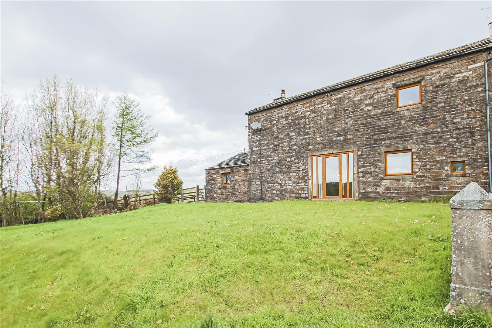 4 Bedroom Semi-detached House For Sale - Image 35